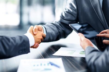 お金借りる方法10選【プロがあなたに最適な借り方を提案します!】